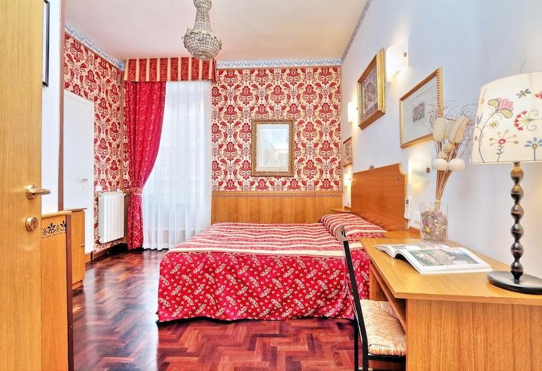 Sonnino Suite, Rome