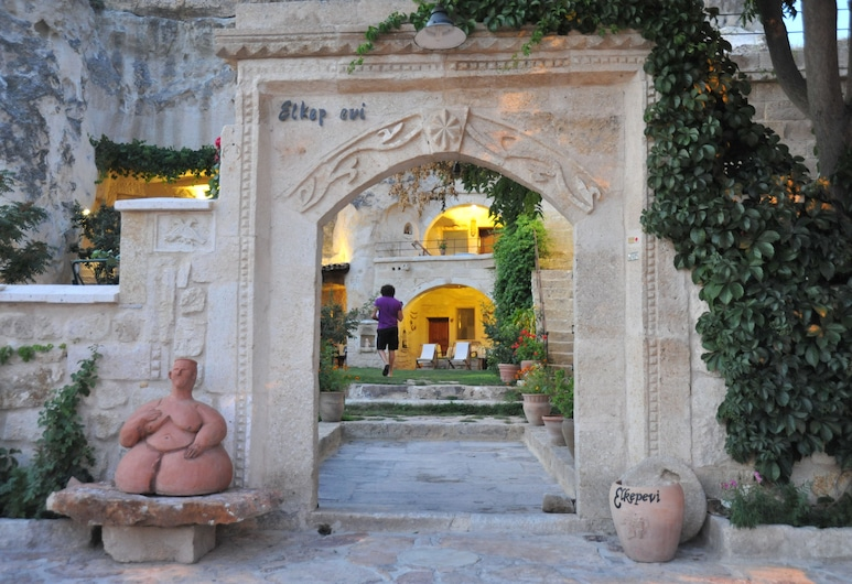 Elkep Evi Cave Hotel, Urgup, Property Grounds