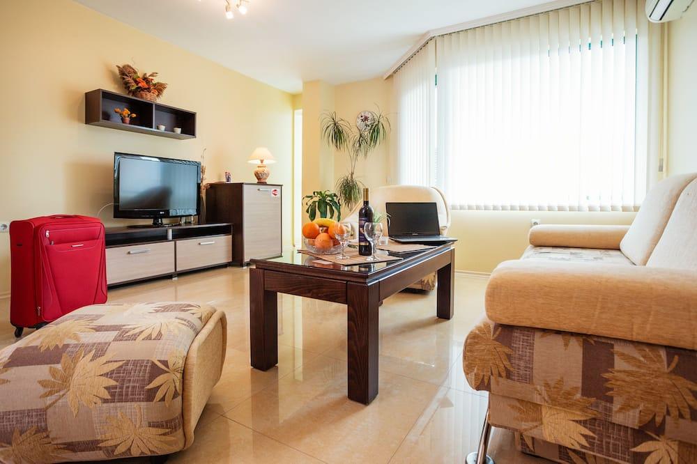 Deluxe Apartment, 1 Bedroom, Garden Area - Living Room