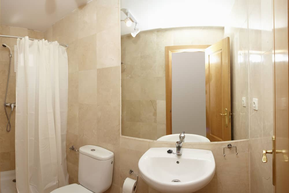 Apartment for 8 people Long stay - Bathroom