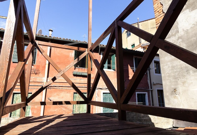 Veneziacentopercento - Rooms and Apartments, Venice, Deluxe Apartment, 1 Bedroom, Annex Building (100-400 meters from check-in location), Balcony