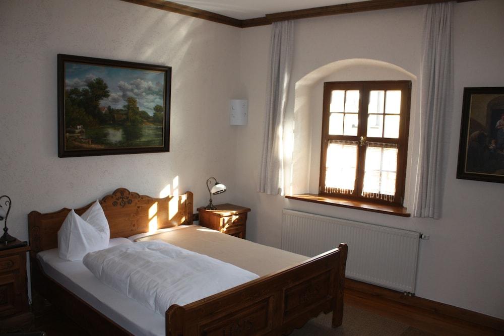 SCHLOSS-SCHÄNKE Hotel garni und Weinverkauf in Bautzen - Hotels.com
