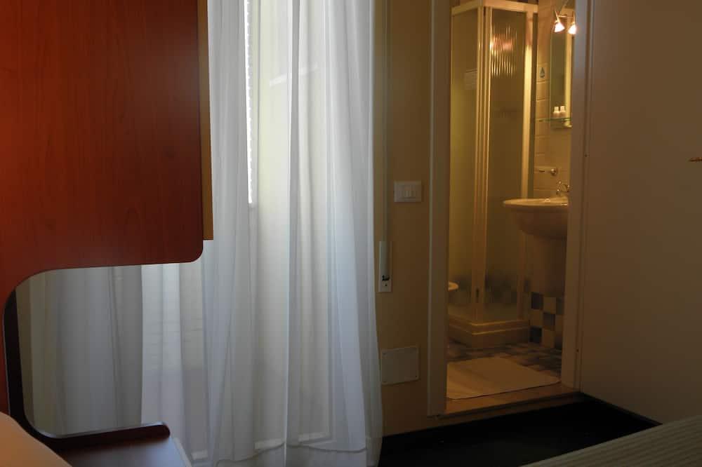 Double Room Single Use - Bathroom