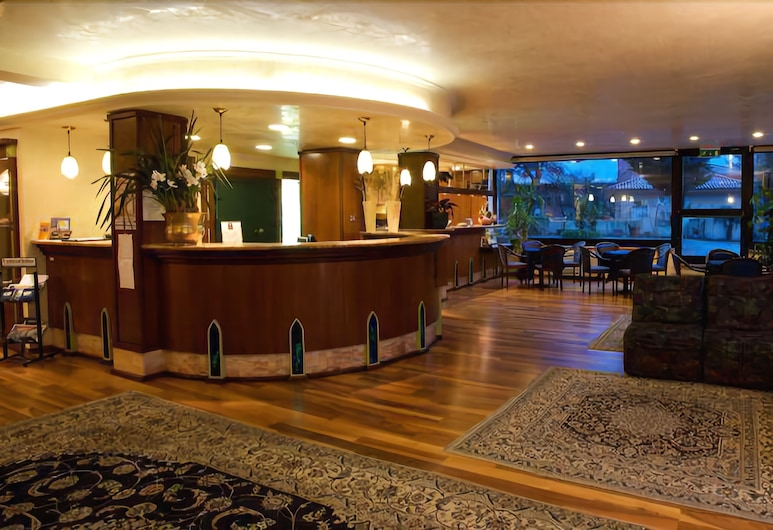 Hotel Le Grazie, Assisi, Lobby