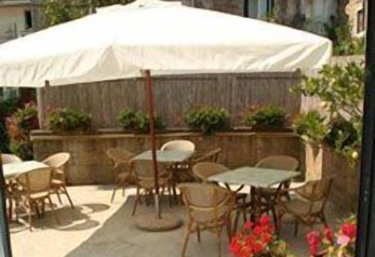 Hotel Reginella, Massa Lubrense, ארוחה בחוץ
