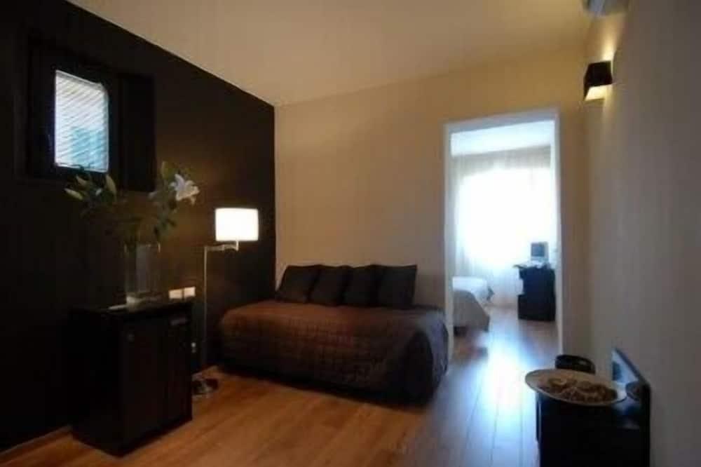 Quadruple Room - Living Room