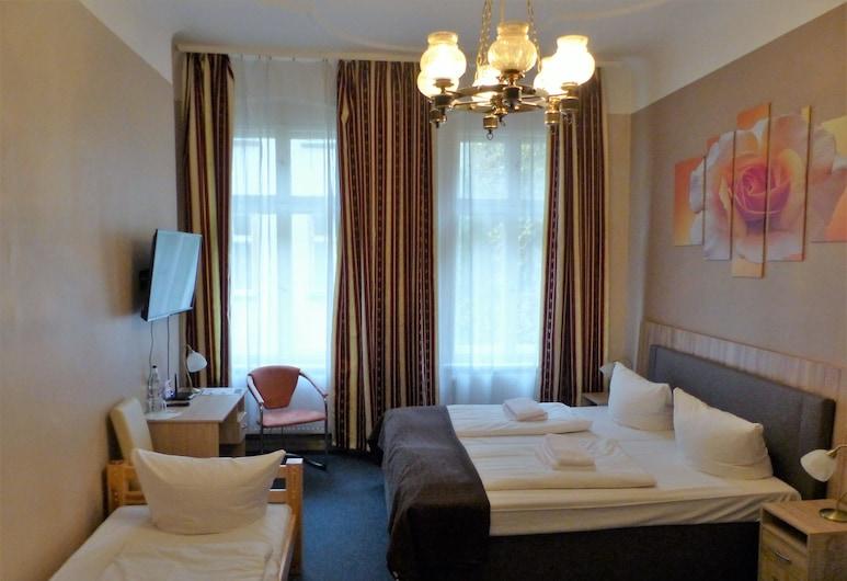 City Hotel Gotland, Berlin, Vierbettzimmer, Zimmer