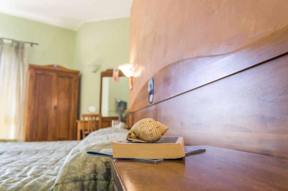 Book B&B La Terrazza sul Mare in Avola | Hotels.com