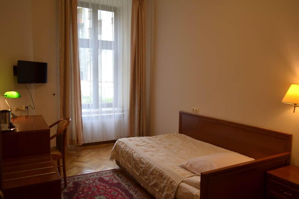 Standard Single Room, 1 Bedroom - Living Area