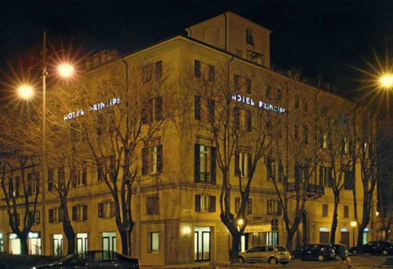 Hotel Principe, Modena, Hotel Front – Evening/Night