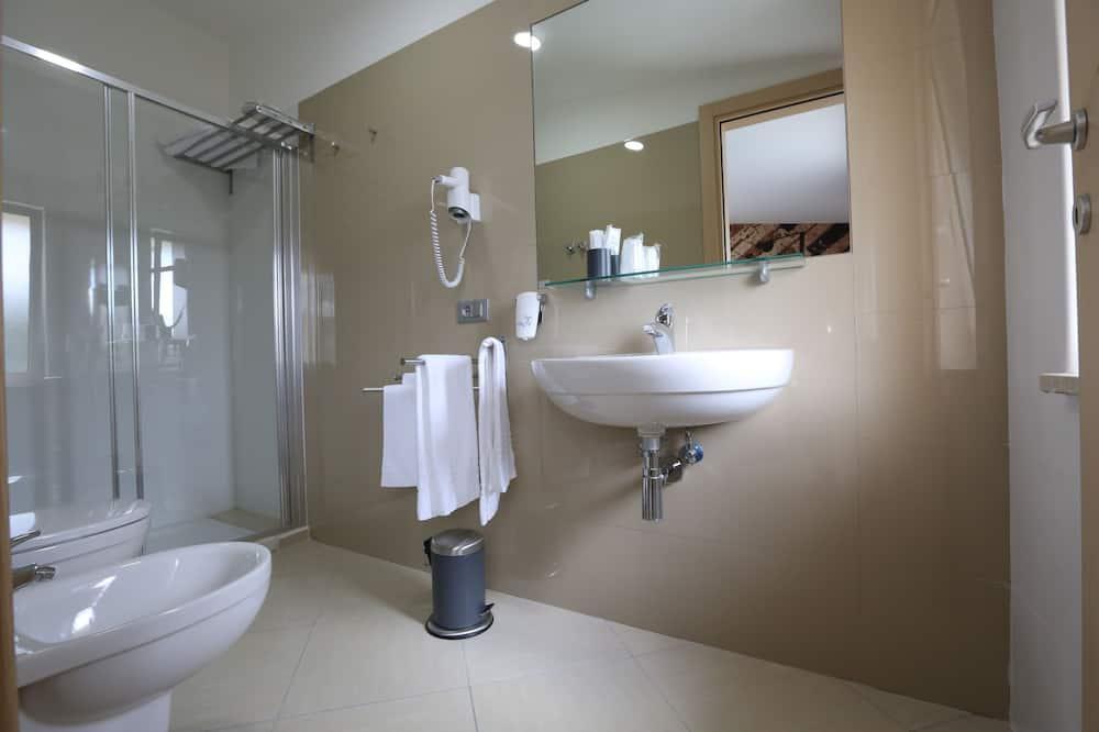 Suite junior, 1 habitación, baño privado, junto a la montaña - Cuarto de baño