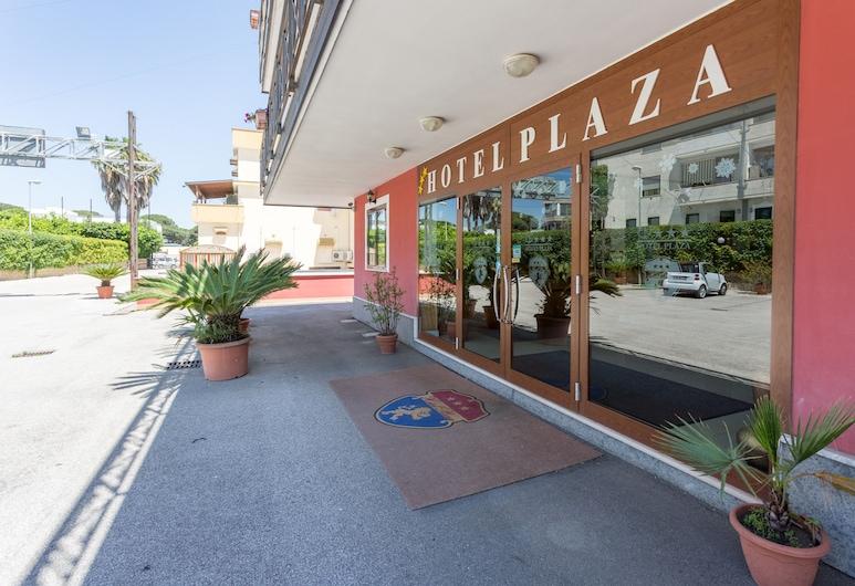 Hotel Plaza, Aversa, Hotel Entrance