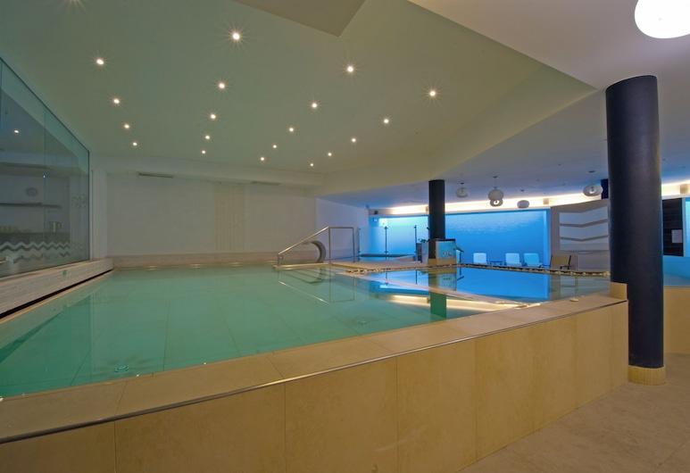 Oasi Wellness Spa, Рива-Дель-Гарда, Критий басейн