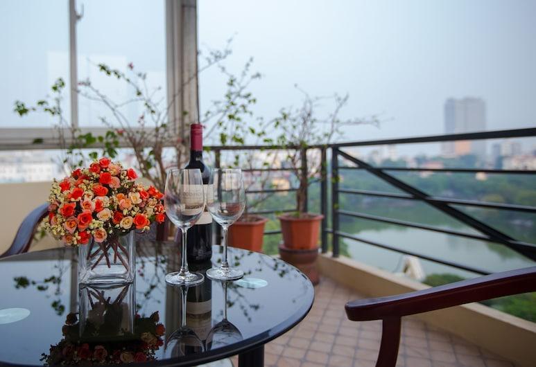 Hanoi Morning Hotel, Hanoi, Junior-svíta - útsýni yfir vatn, Svalir
