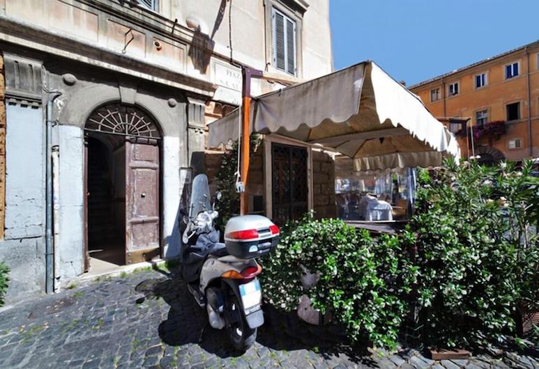 Bed & Breakfast Calisto 6, Rome, Exterior
