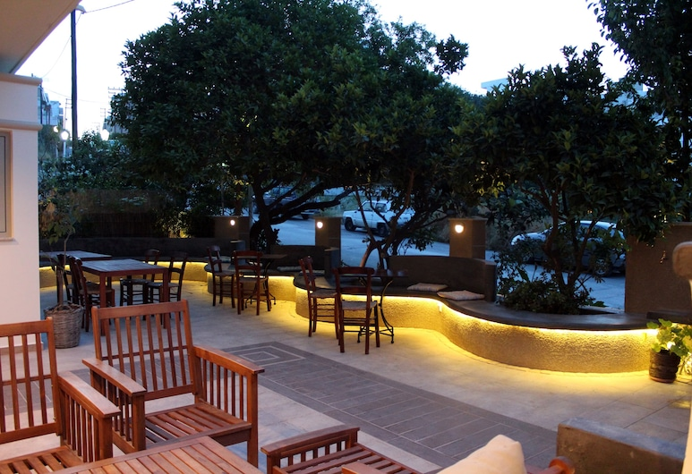 Philoxenia Hotel & Studios, Rodas, Terraza o patio