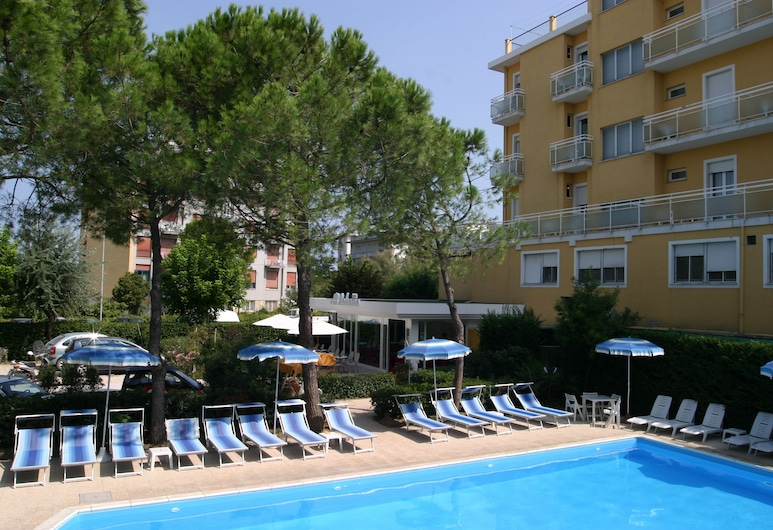 هوتل باهاما, Rimini