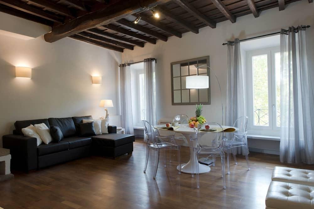 Executive Apartment, 2 Bedrooms (Via Giulia,195) - Living Room