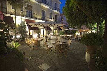 Enter your dates to get the Cava de Tirreni hotel deal