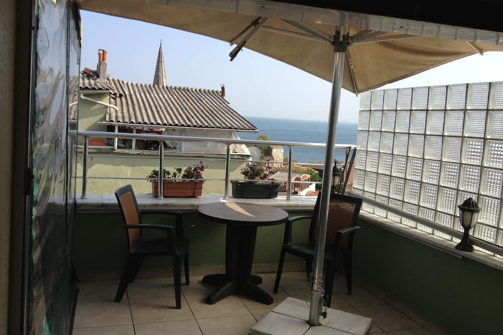 Стандартний номер (1 двоспальне або 2 односпальних ліжка), з видом на море - Балкон