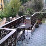 Double Room, Shared Bathroom (Verde) - Balcony