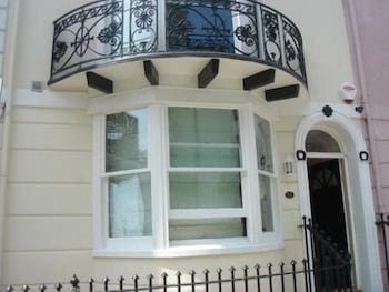 Picture of Grand Pier Guest House in Brighton