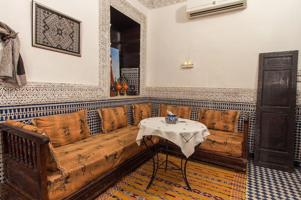 Номер-люкс (Bouanania) - Обіди в номері
