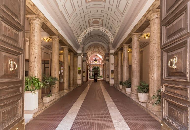 Everest Inn Rome, Roma, Pintu Masuk Hotel