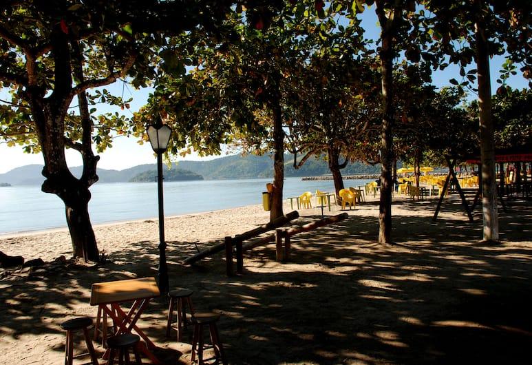Chill Inn Paraty Hostel & Pousada, Paraty, Beach