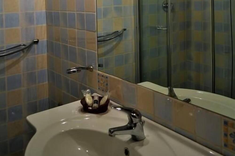 Štandardná dvojlôžková izba, výhľad na more - Kúpeľňa