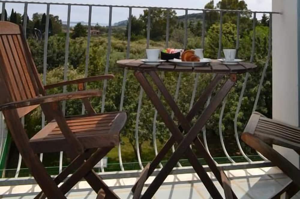 Trojlôžková izba - Výhľad z balkóna