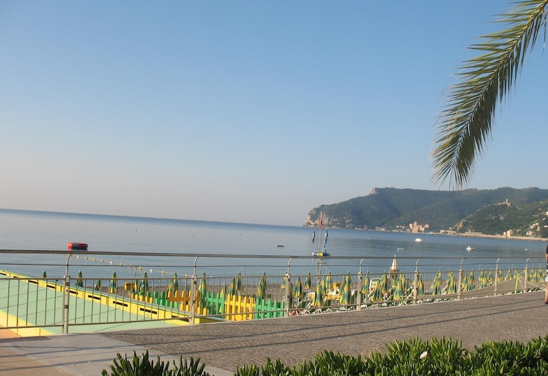 Hotel Mediterranée, Spotorno, Playa