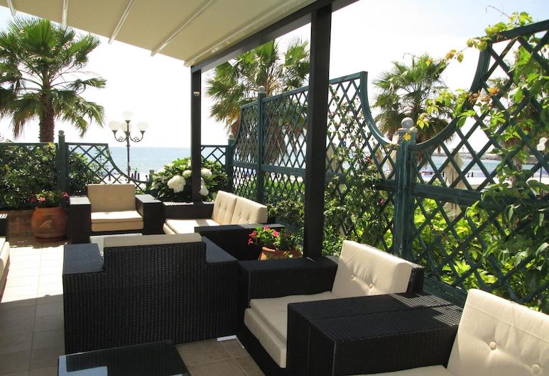 Hotel Palace, Diano Marina, Terrasse/Patio