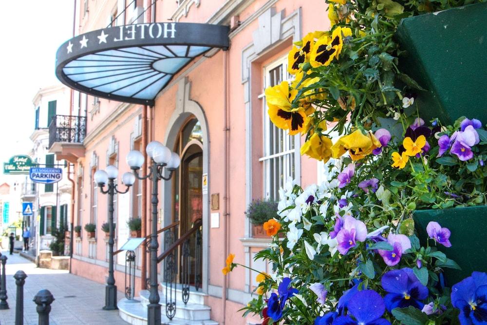 Bel Soggiorno (Sanremo, Italy), Sanremo hotel discounts | Hotels.com