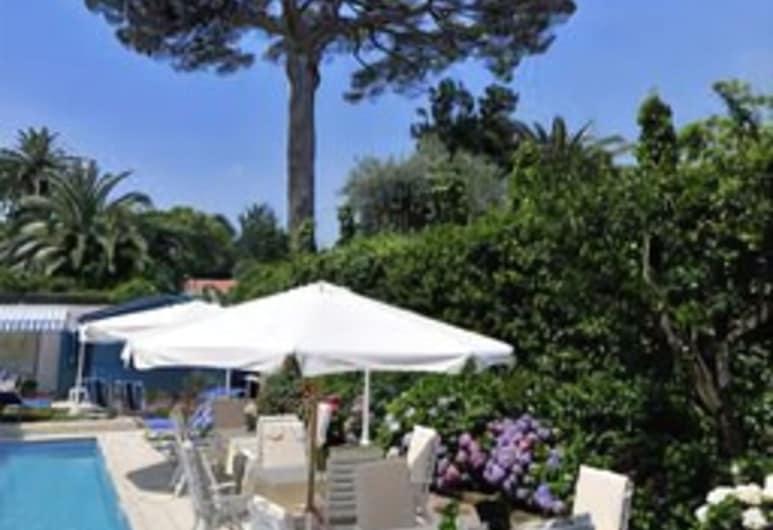 Eliseo Park's, Sant'Agnello, Alberca al aire libre