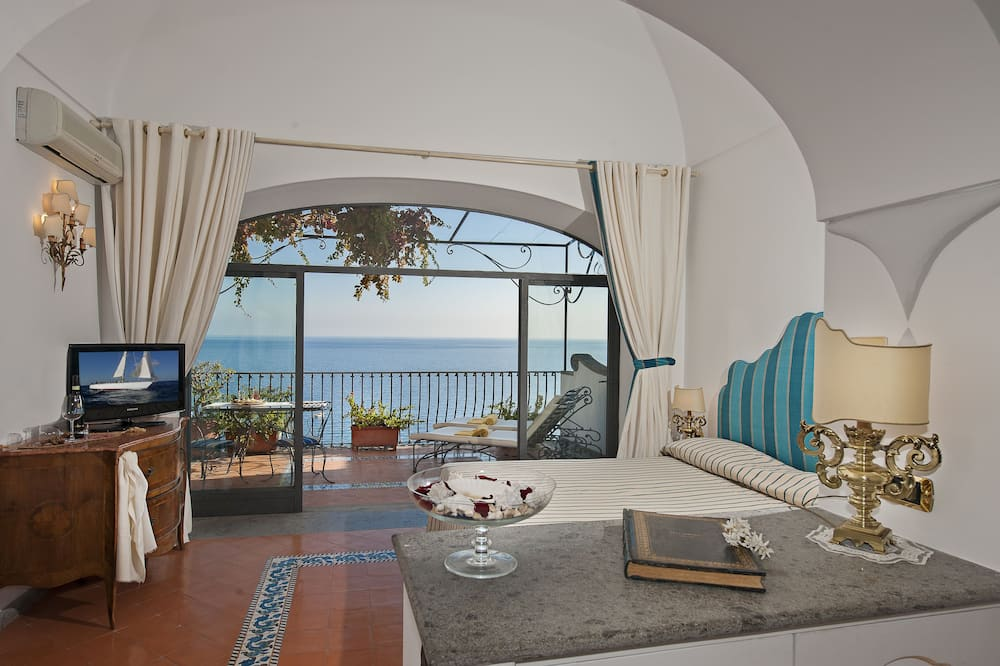Junior Suite, Balcony, Sea View - Living Area