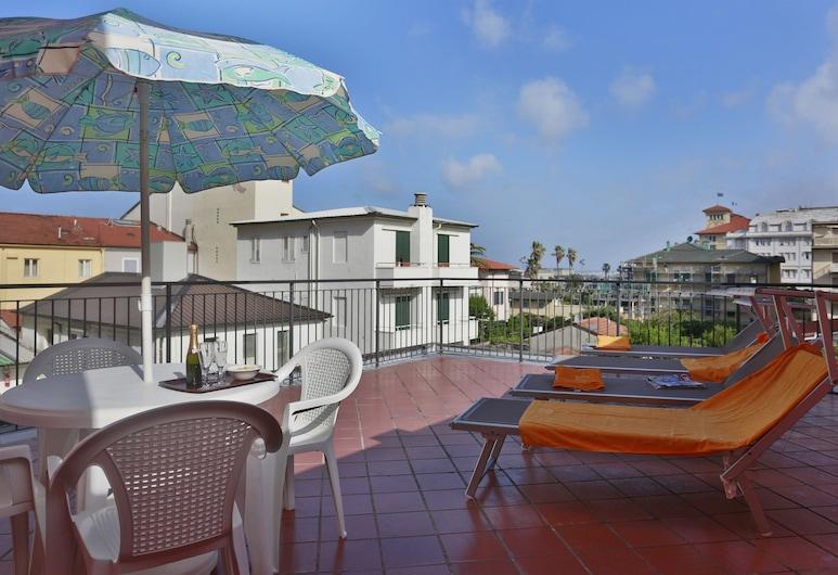 Hotel Katy, Viareggio, Habitación triple, balcón, Terraza o patio
