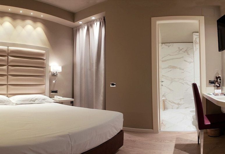 Hotel Touring, Ferrara, Family Room (2 Adults + 2 Children), Guest Room