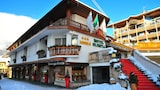 Choose This 3 Star Hotel In Cortina d'Ampezzo