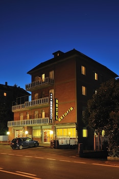Enter your dates to get the Ravenna hotel deal