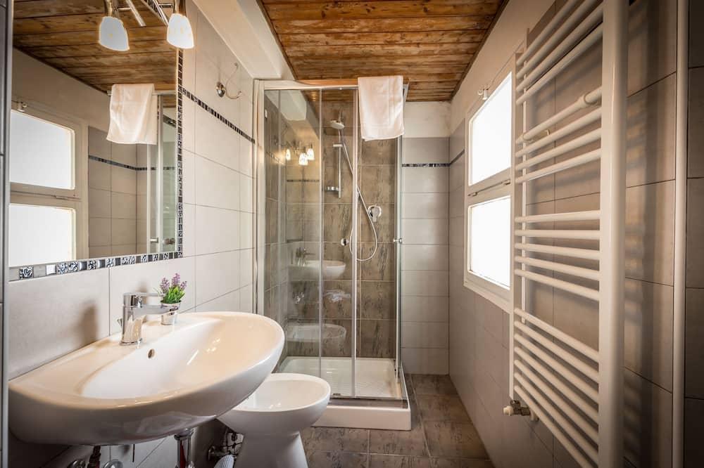 더블룸, 전용 욕실 (External) - 욕실