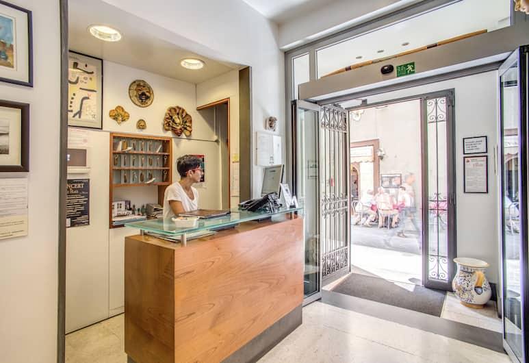 Hotel Nuova Italia, Florence, Reception