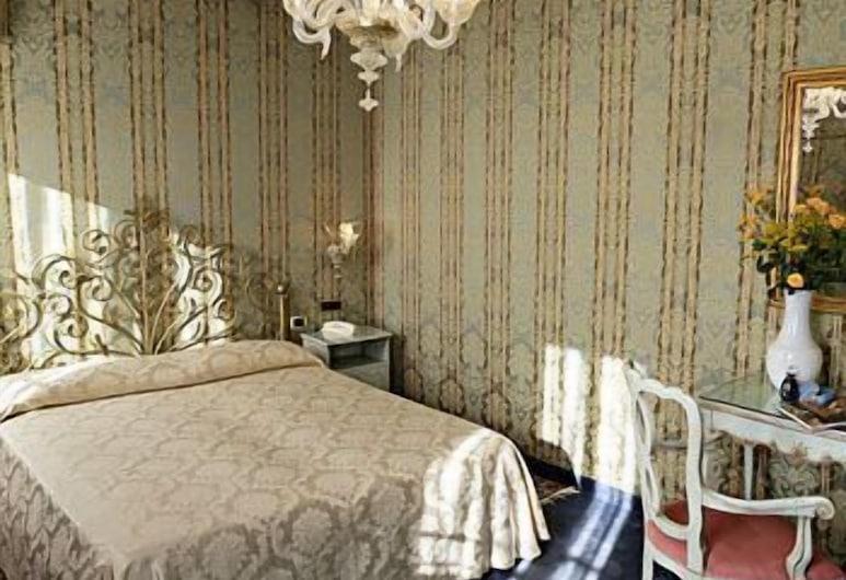 Hotel Castello, Venedig, Dreibettzimmer, Zimmer