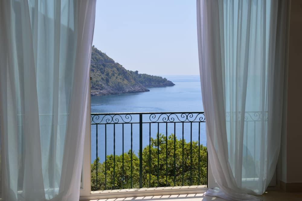 Номер «Superior» (1 двоспальне або 2 односпальних ліжка), з видом на море - Вид з балкона