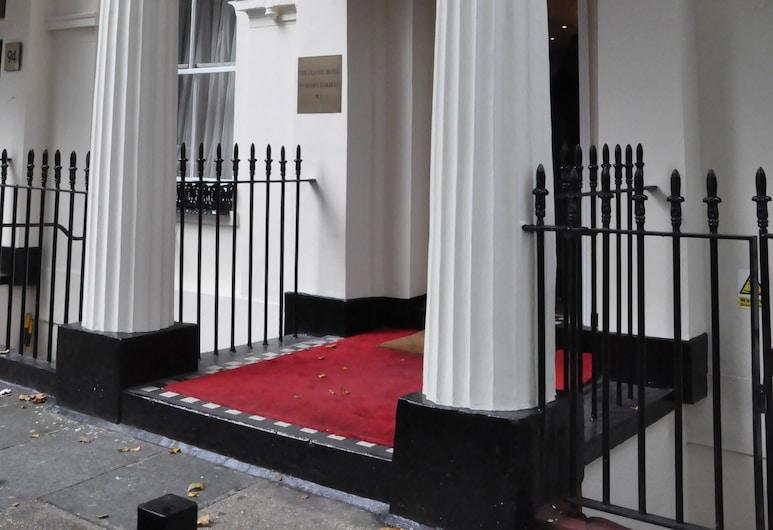 Classic Hotel, London, Hotel Entrance