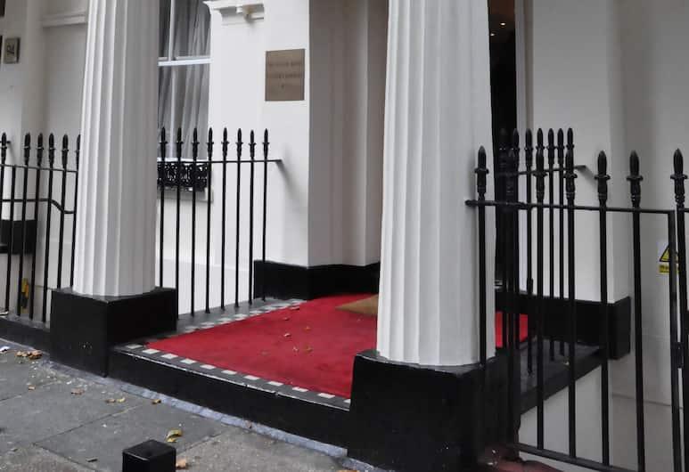 Classic Hotel, Londres, Entrée de l'hôtel