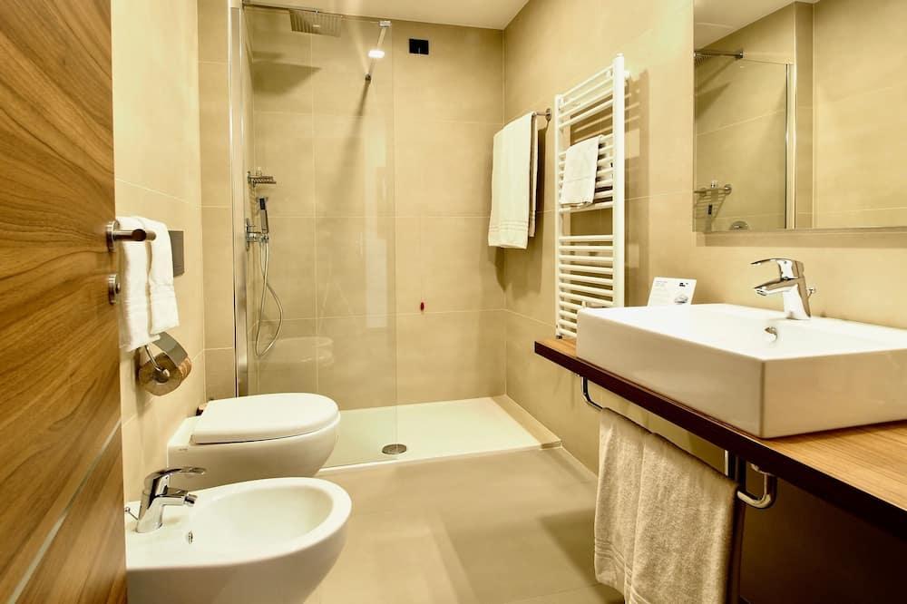 Phòng đôi Deluxe, Hiên - Phòng tắm