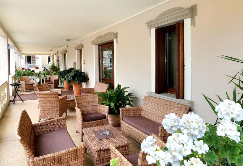Hotel Garden, פסקיירה דל גארדה, מרפסת/פטיו
