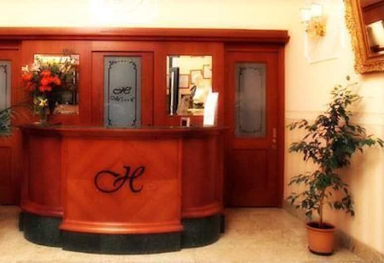 幻境飯店, 羅馬, 櫃台