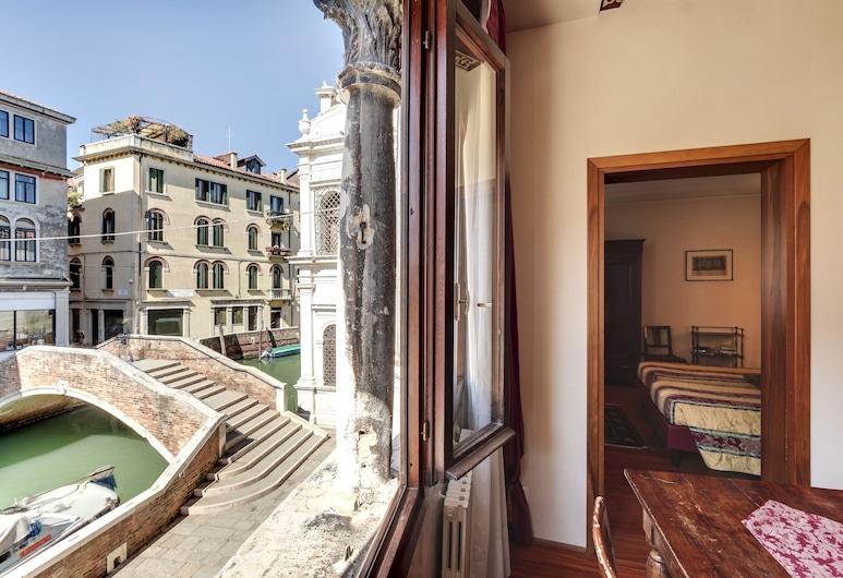 Palazzo Schiavoni Suite-Apartments, Venedig, Apartment, 2Schlafzimmer, Kanalblick, Wohnbereich